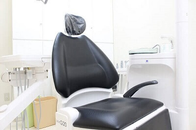 気軽に治療を受けられる総個室の診療室